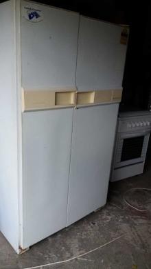 Appliances in Abadiyeh - براد وغاز بفرن بحالة جيدة