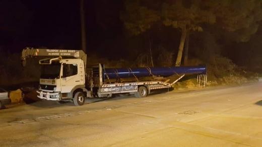 Van & Truck Hire in Beirut City - Transport crane