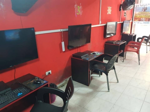 Other Video Games & Consoles in Beirut City - For sale 4 computer gaming and 4 ps4 amd ac 18000 and 4 marawi7