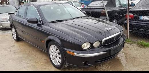 Jaguar in Tripoli - Jaguar x-type 2003