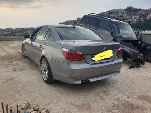BMW in Nahr Ibrahim - Bm 325 full option model 2005