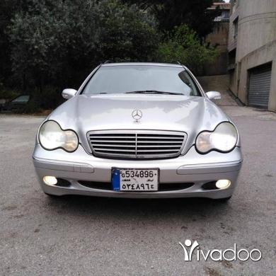 Mercedes-Benz in Dbayeh - Mercedes c320 mod 2003