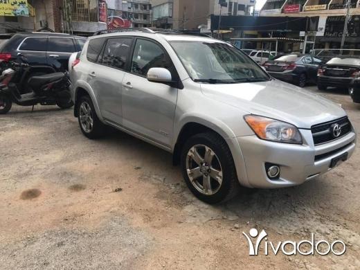 Toyota in Baabda - Toyota RAV4 model 2012 (SPORT) clean car fax 4WD mefawale for sale