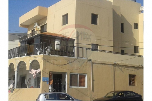 Whole building in Chekka - 3 Floors building for sale in Chekka