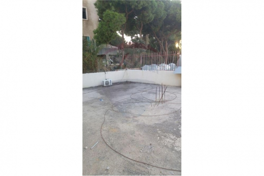 Apartments in Sabtieh - Apartment for sale in Sabtiye/Metn