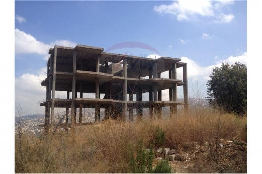 Whole building in Kornet Al Hamra - Building 5 floors for sale in kornet el hamra
