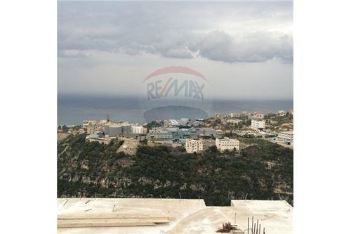 Apartments in Kornet Al Hamra - New Apartment 185m2 for sale