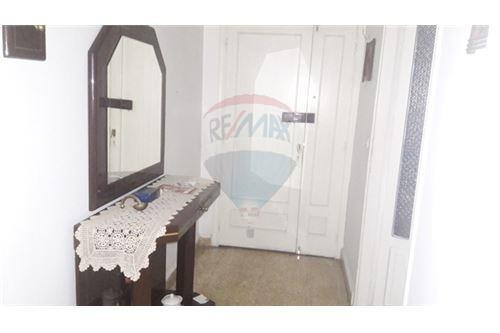 Apartments in Zalka - Old , affordable apartment in Zalka