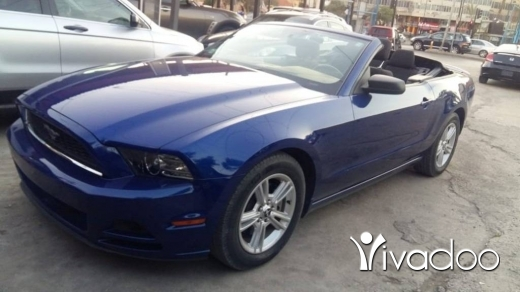 Ford in Bouchrieh - Ford Mustang, convertible, model 2013, 40000 Miles (ONLY!!)
