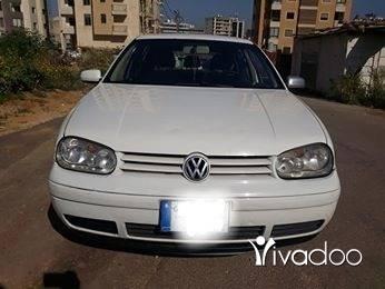 Volvo in Beirut City - Golf 4 2000