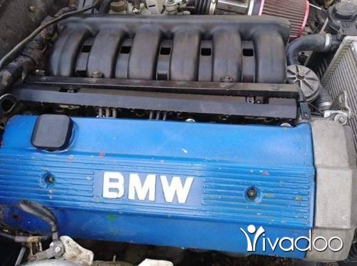 BMW in Tripoli - bmw e 30 4  1983