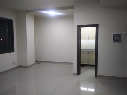 Office Space in Haoush el Oumara - office for rent in zahle haouch el omara prime location