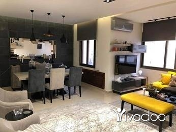Half floor in Dawhet Aramoun - شقه للبيع في عرمون