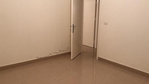 Apartments in Bachoura - شقة ٤ غرف مع موقف خاص و مولد الطابق الخامس
