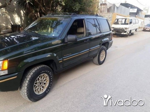 Jeep in Khalde - Grand cheroki modil 95 v8 4wel mfwal angad