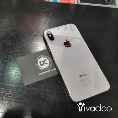 Apple iPhone in Abou Samra - x 64gb