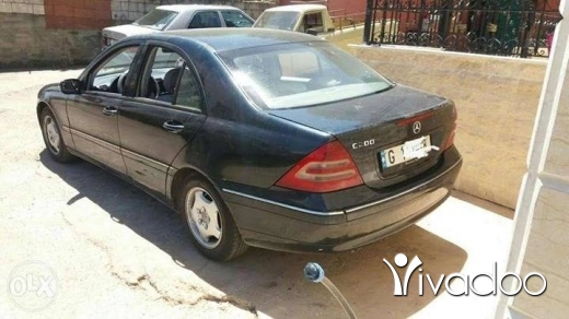 Mercedes-Benz in Zgharta - c200 2001 4cylindre 70641117