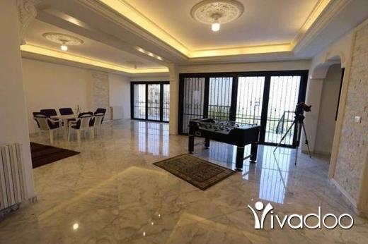 Apartments in Rabweh - للبيع شقة ١٠٠٠ م في الربوة فخمة جدا ضمنها تراس و حديقة بسعر مغري