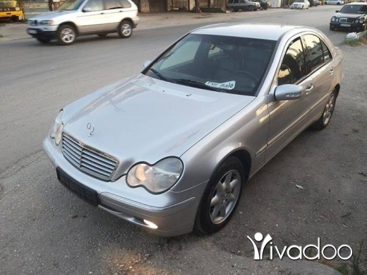 Mercedes-Benz in Akkar el-Atika - Mercedes Benz c200 2002 for sale