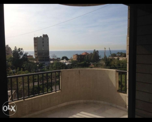 Apartments in Jounieh - شقة للإيجار في جونيه- مطلة على البحر مع شرفة