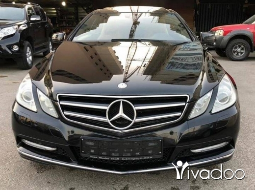 Mercedes-Benz in Beirut City - 2013 E200 Coupe in perfect condition !