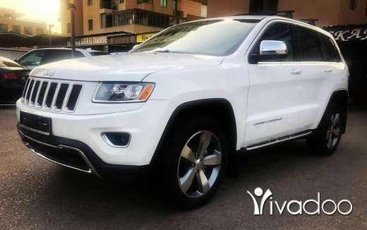 Jeep in Beirut City - Clean carfax 2014 Laredo V6 Trail Rated 80,000 miles