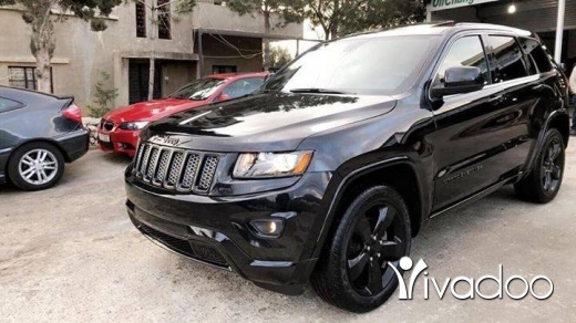 Jeep in Beirut City - Grand Cherokee Altitude black edition 2014 in mint condition