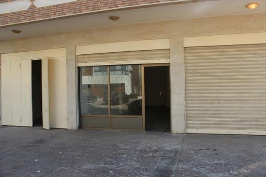Shop in Aramoun - محل للإيجار عرمون شارع فينيسيا