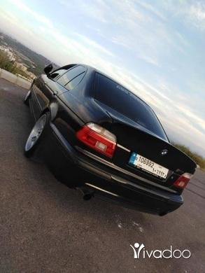 BMW in Port of Beirut - Bmw 540 v8