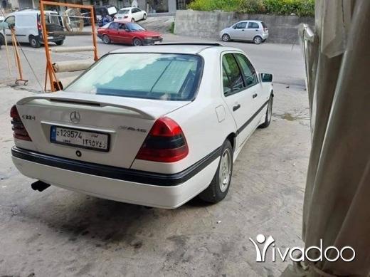 Mercedes-Benz in Haret Saida - Mercedes C220