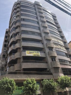 Apartments in Haret Hreik - شقة للبيع في الطابق الثاني في حارة حريك مقابل سنتر الجزيرة