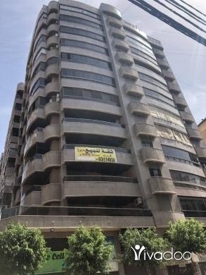 Apartments in Haret Hreik - شقه للبيع في الطابق الثالث في حارة حريك مقابل سنتر الجزيرة