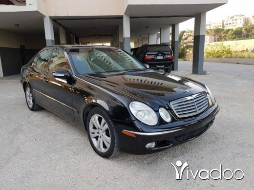 Mercedes-Benz in Beirut City - Mercedes E320 2003