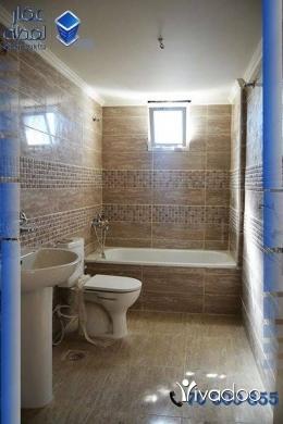 Apartments in Abou Samra - شقة لقطة في ابي سمراء الشراع