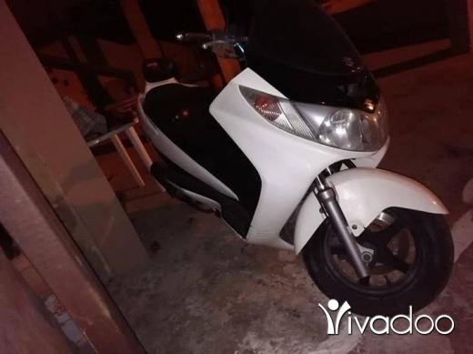 Suzuki in Dahr el-Ain - Moto suzuki 400cc for sale للبيع