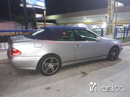 Mercedes-Benz in Borj Hammoud - 320 clk 2000 for sale