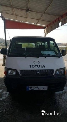 Vans in Sour - Van toyota 2004 for sale