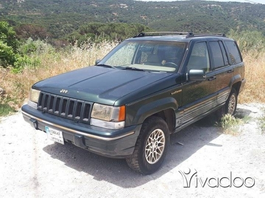 Jeep in Baabdat - For sale grand cherokee v8 1993
