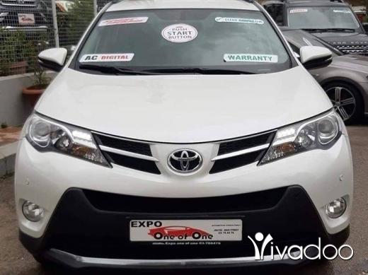 Toyota in Bouchrieh - Toyota RAV4 full package 2015