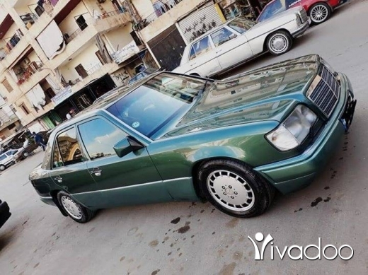 Mercedes-Benz in Tripoli - E220 model 94