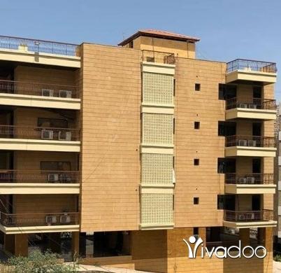 Apartments in Beirut City - عقار في منطقة اللويزة للبيع (الطريق العام) ٩٨٠ متر مربع