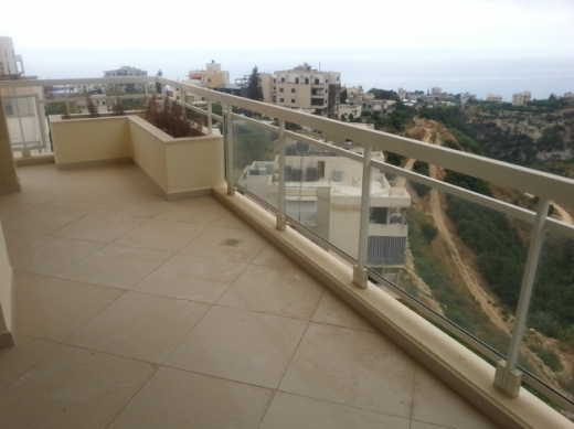 Apartments in Bouar - دوبلكس للبيع في لبوار منظر بحر لا يحجب 300م كاف 32م