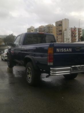 Nissan in Mar Roukoz - NISSAN VAN TRUCK 4X4 4 CYL 4 SEATS FULL vitesse