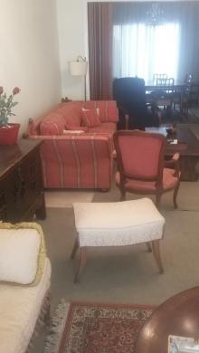 Apartments in Ras-Beyrouth - للبيع شقة بداعي السفر