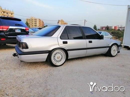 Honda in Abou Samra - Honda accorde 1986