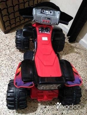 Baby Toys in Tripoli - موتير كبير بيشتغل عالبطاريه ومعو شاحن للبيع