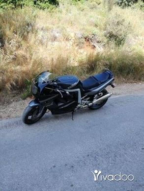 Aprilia in Dawhet Aramoun - للبيع gsxr 1100cc