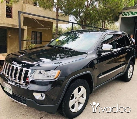 Jeep in Dbayeh - Grand Cherokee Laredo 2012 in mint condition