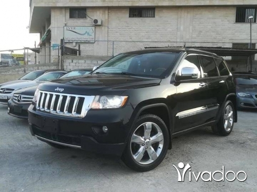 Jeep in Beirut City - Jeep 2012 Overland clean carfax76870244