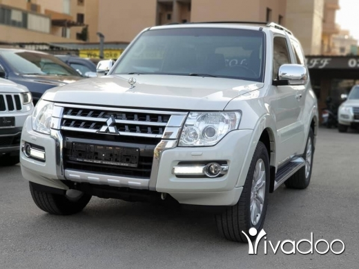 Mitsubishi in Beirut City - 2015 Pajero 3.8L Coupe in Perfect condition